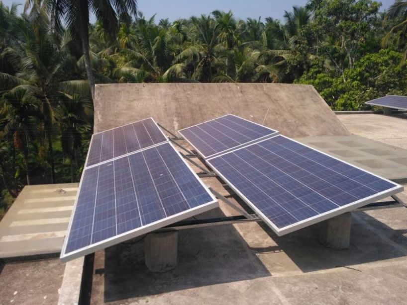 1 kW Off Grid Solar Power Plant with 7200 Whr/kW Exide C 10 Battery Ballast